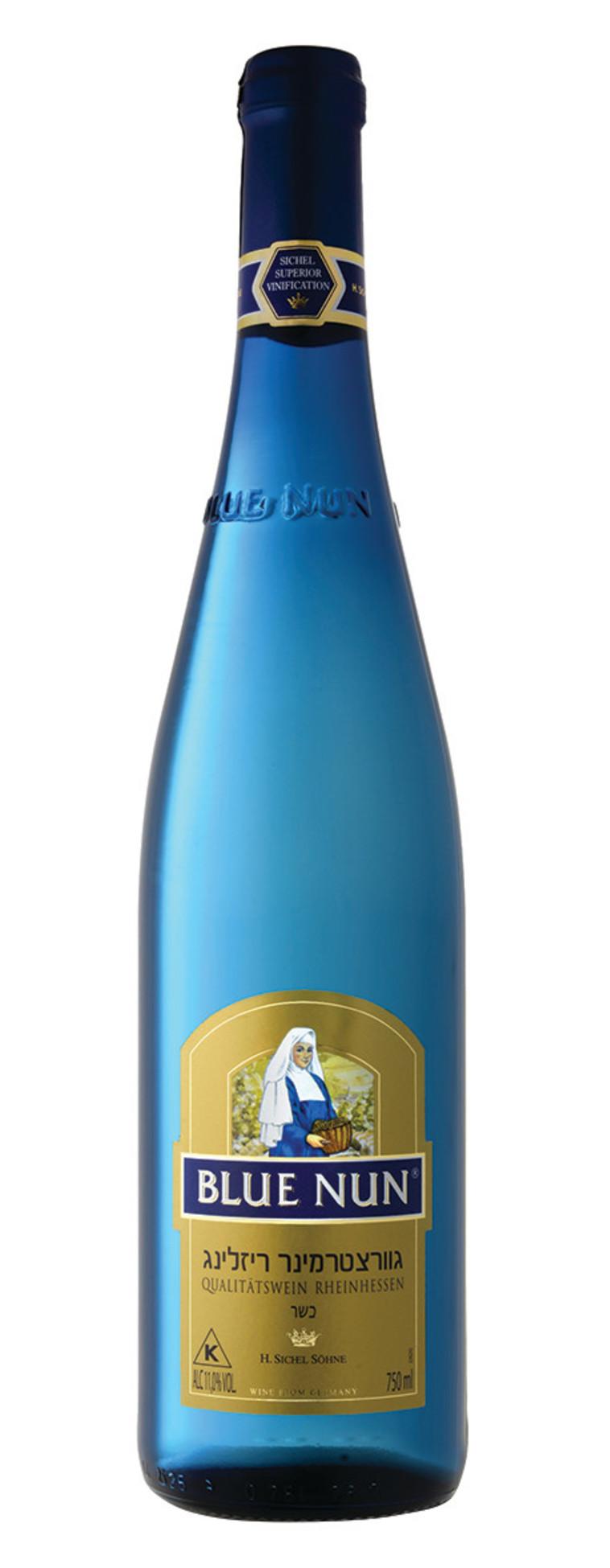 בלו נאן גוורצטרמינר־ריזלינג // יינות שקד. צילום: איל קרן