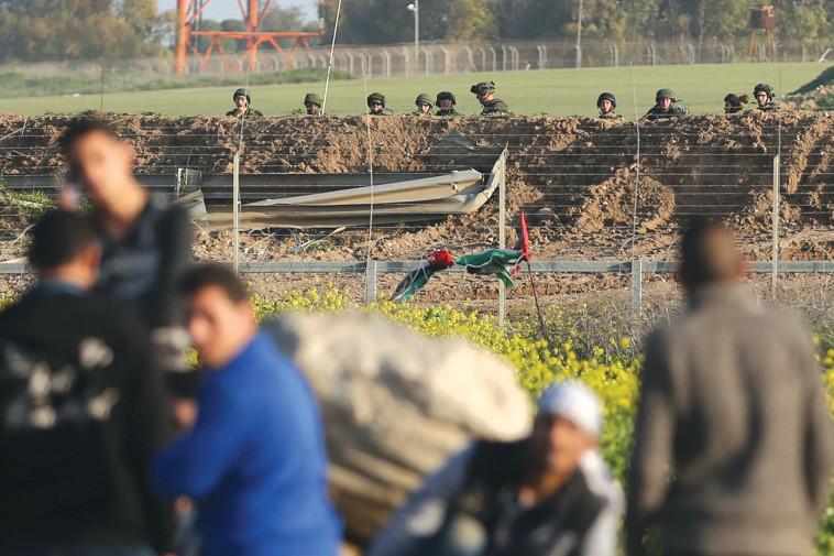 מצב הומניטרי קשה. גבול רצועת עזה, צילום: AFP