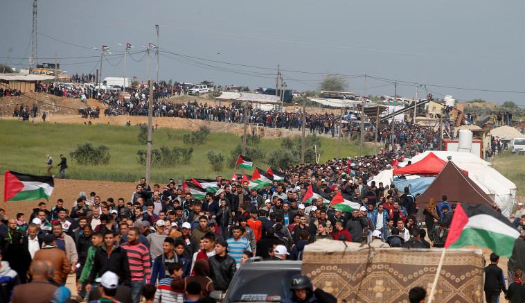 הפגנה בגבול רצועת עזה. צילום: רויטרס