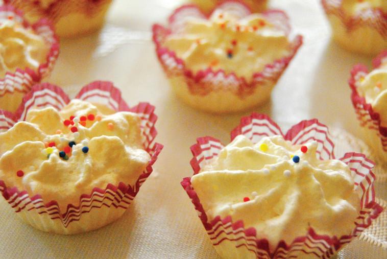 עוגיות קוקוס. צילום: פסקל פרץ רובין