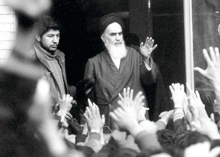 """""""ראיתי בו סכנה לעצם קיומה של ישראל"""". חומייני לאחר המהפכה ב־79'  צילום: רויטרס"""