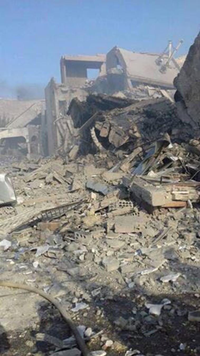 ״מרכז המחקרים המדעיים״ שהופצץ בדמשק. צילום: רשתות ערביות