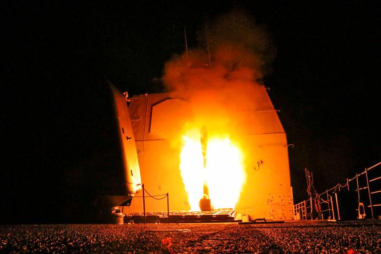 שיגור הטילים לעבר סוריה. צילום: רויטרס