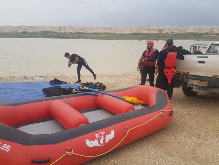 כוחות חילוץ בנחל צפית. צילום: הדס פרוש, פלאש 90