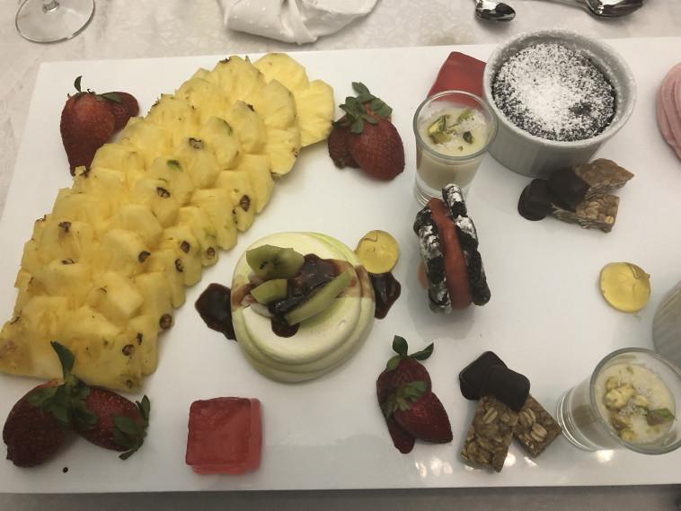 """קינוח אצל """"השף היושב"""". צילום: מיטל שרעבי, באדיבות תיירות גולן"""