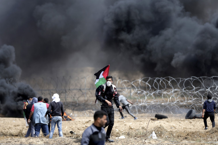 """""""אמירה פלסטינית ברורה"""". צעדת השיבה, צילום: AFP"""