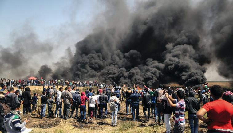מחאה בגבול הרצועה. צילום: AFP