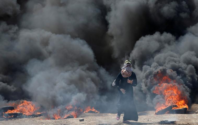 אש ועשן בעזה. צילום: רשתות ערביות