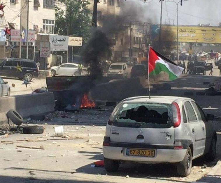 מהומות גם בקלנדיה. צילום: רשתות ערביות