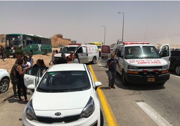 """התאונה בכביש הערבה. צילום: דוברות מד""""א"""