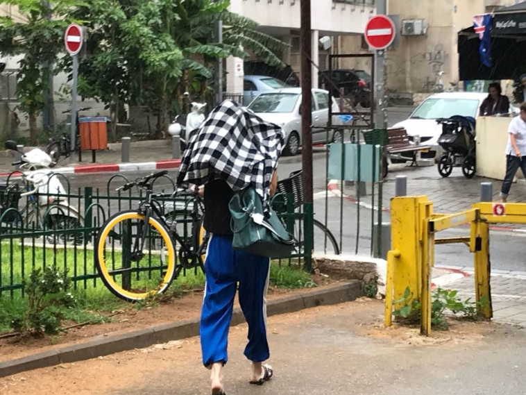 גשם הבוקר בתל אביב. צילום: אבשלום ששוני