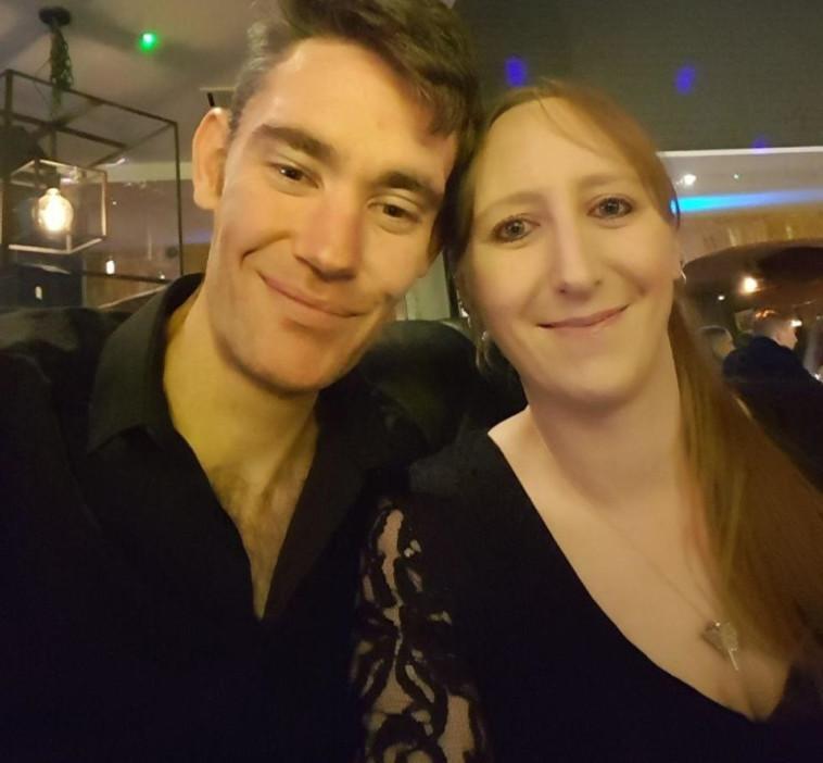 סקס עם אדם אחד זה משעמם ולבן הזוג לא אכפת. ניקי ומארק