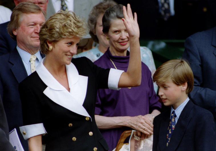 הנסיך וויליאם עם אמו הנסיכה דיאנה. צילום: רויטרס