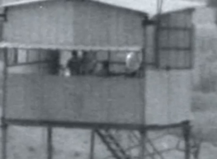 בלוני תבערה משוגרים על ידי חמאס. צילום מסך