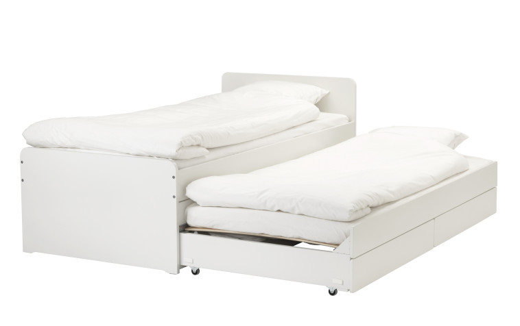 מסגרת מיטה עם ארגז אחסון ב-990 שקל במקום 1,290 שקל