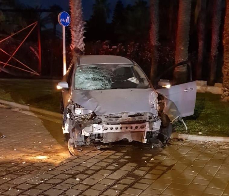 """רכבו של הנהג הפוגע. צילום: מד""""א"""