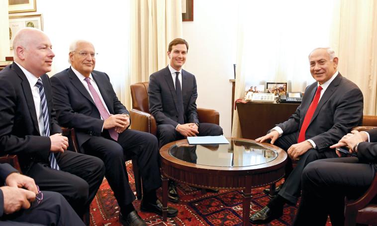 קושנר, פרידמן וגרינבלט. צילום : Matty Stern.U.S. Embassy Jerusalem
