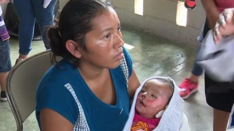 פתאום התינוקת החלה לנשום. קיילין ג'ואנה אורטיז בלוויה שלה