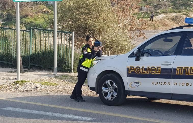 שוטרת במשטרת התנועה (צילום: דוברות המשטרה)