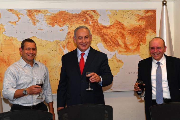 בנימין נתניהו, נדב ארגמן, ומאיר בן שבת (צילום: קובי גדעון, לע''מ)