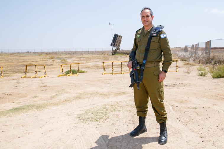 """""""לא נתנהג כמו סוריה, אם איראן תתקוף, ישראל תגיב"""". חיימוביץ' בימיו בצבא. צילום: לירון מולדובן"""