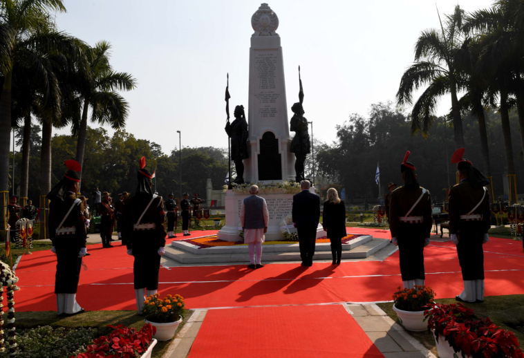 """נתניהו וראש ממשלת הודו בככר על שם הגדוד ההודי. צילום: אבי אוחיון ,לע""""מ"""