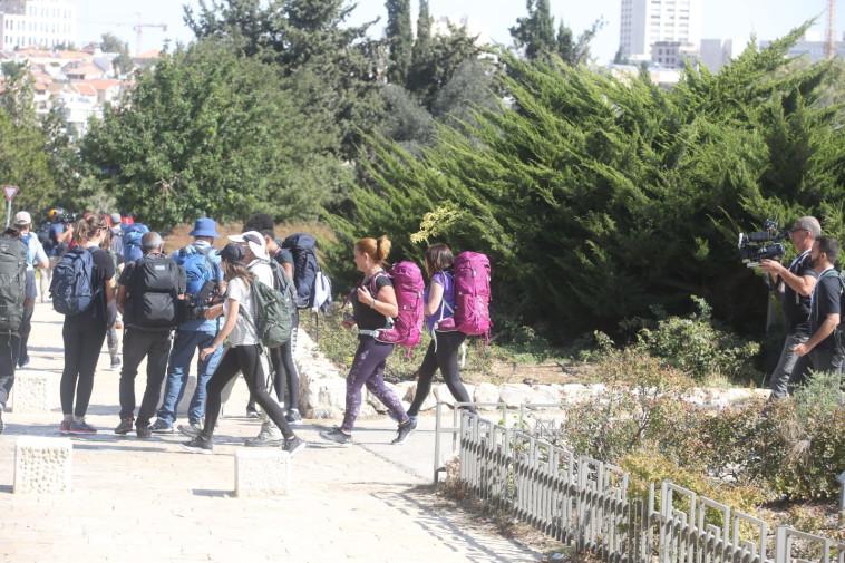 """משכן הכנסת, צילומי """"המירוץ למיליון"""". צלם : מרק ישראל סלם"""