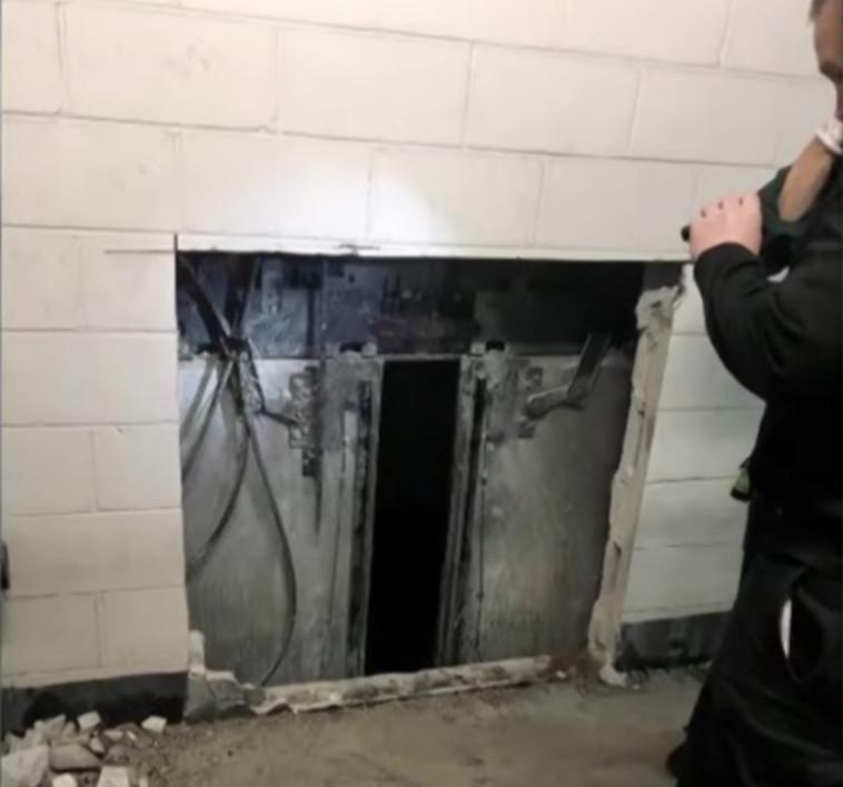 המעלית ההרוסה בבניין הנקוק. צילום מסך: חדשות סיביאס שיקגו