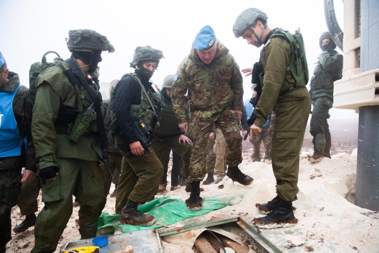 """כוחות צה""""ל ויוניפ""""יל בגבול הצפון. צילום: דובר צה""""ל"""
