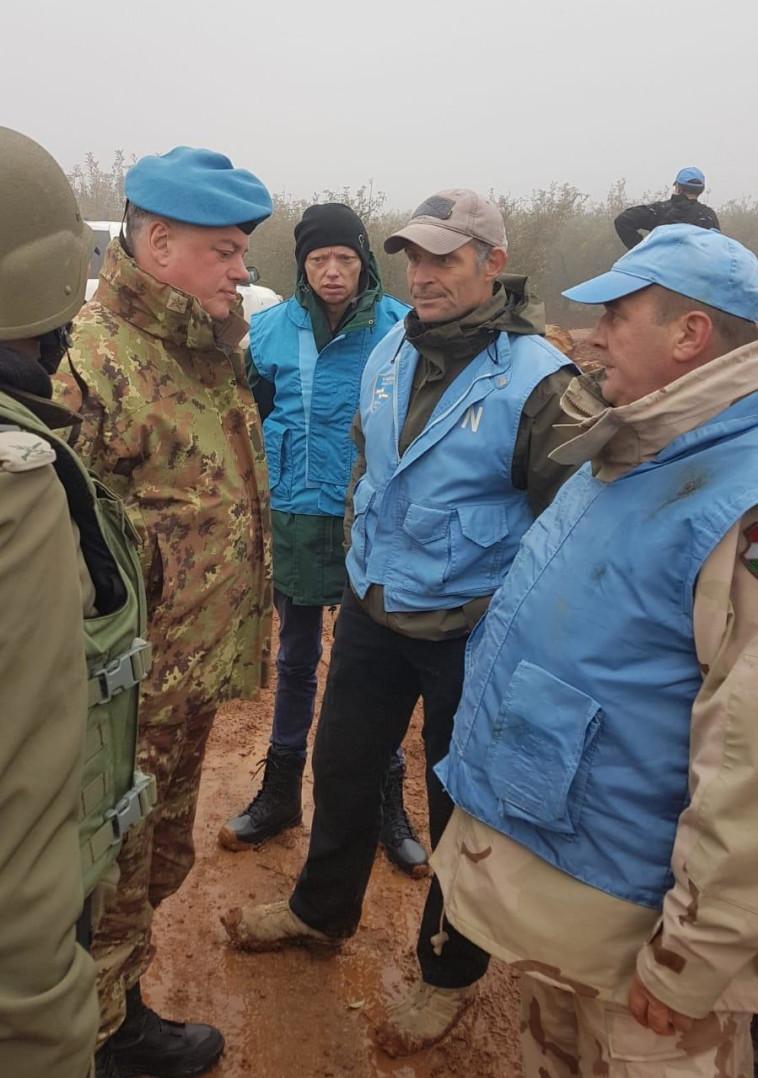 """מפקד פיקוד הצפון עם מפקד יוניפ""""יל. צילום: דובר צה""""ל"""