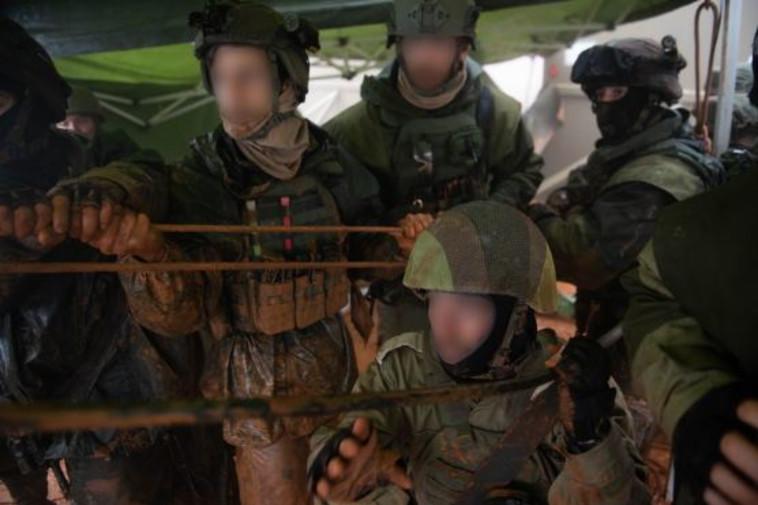 """חיילי צה""""ל בגבול. צילום: דובר צה""""ל"""