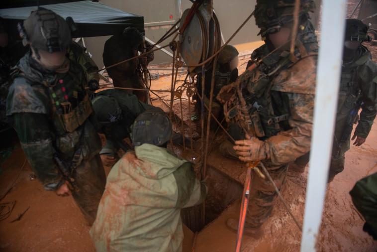 """פעילות צה""""ל לחשיפת מנהרות בגבול הצפון. צילום: דובר צה""""ל"""