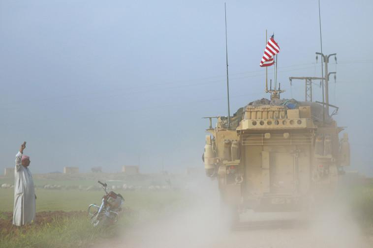 """כוחות של צבא ארה""""ב בקרבת גבול סוריה-טורקיה. צילום: רויטרס"""