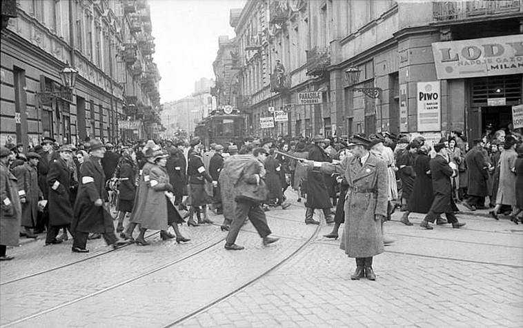 גטו ורשה (צילום: הארכיון הפדרלי הגרמני, nobloch, Ludwig,ויקיפדיה)