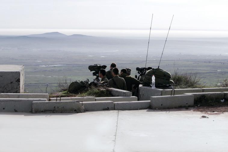 """כוחות צה""""ל בגבול סוריה. יעקבו מקרוב. צילום: AFP"""