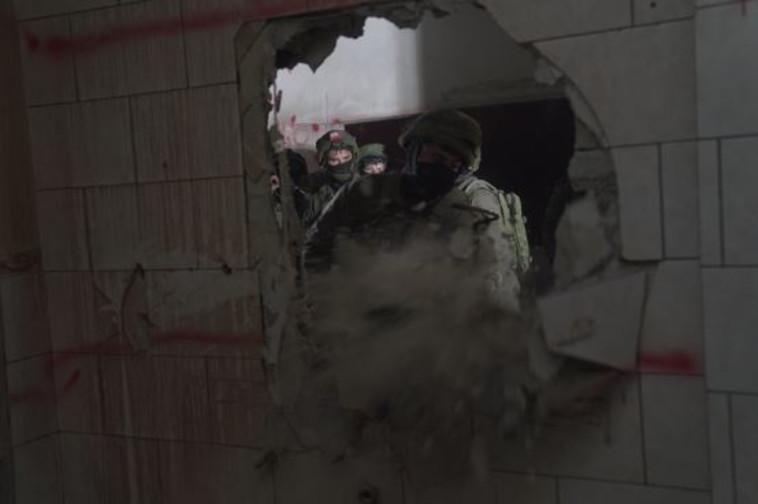 """הריסת בית המחבל שרצח את ארי פולד ז""""ל. צילום: דובר צה""""ל"""