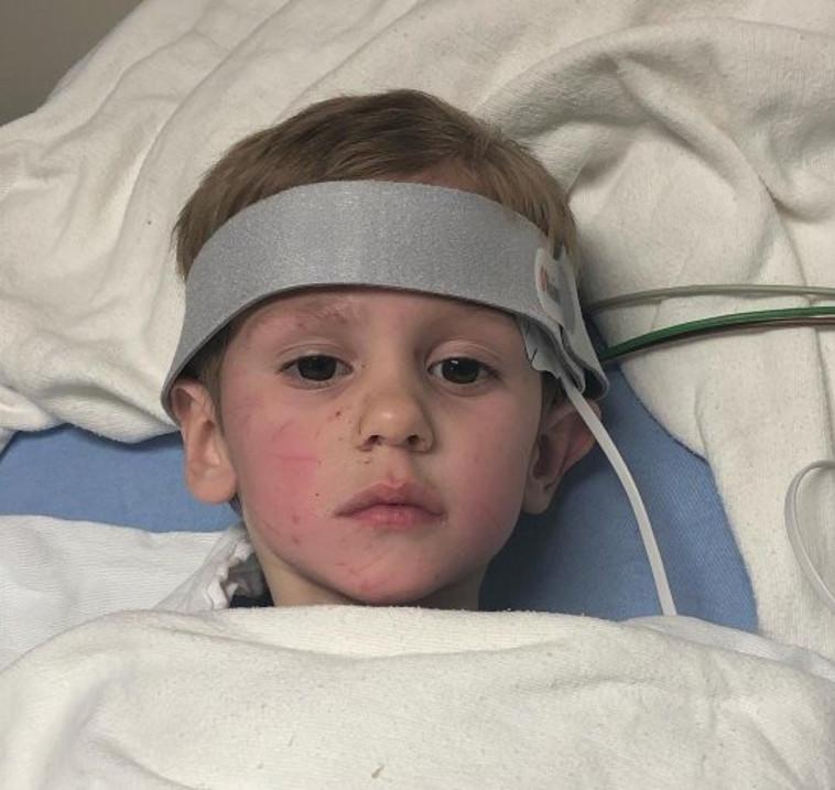 קייסי בבית החולים. צילום: פייסבוק