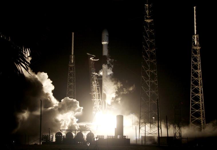 """שיגור החללית הישראלית """"בראשית"""". צילום: רויטרס"""