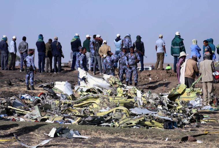 אתר התרסקות המטוס האתיופי. צילום :רויטרס