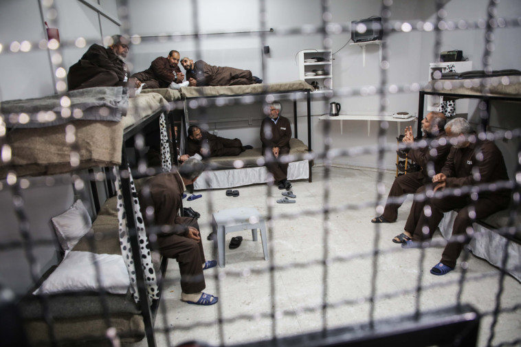 אסירים ביטחוניים (צילום: חסן ג'די, פלאש 90)