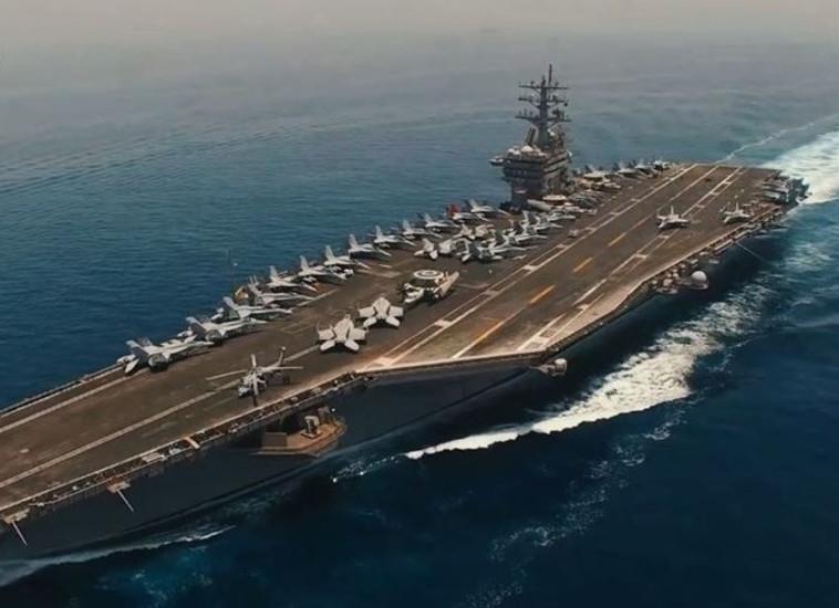נושאת מטוסים אמריקאית במפרץ הפרסי. צילום: רשתות ערביות
