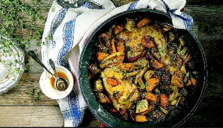 """עוף עם ירקות בתנור. צילום: אתר """"בישולים"""""""