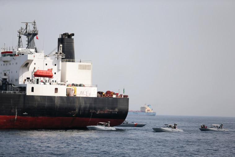 מכלית נפט סעודית שהותקפה. צילום: רויטרס