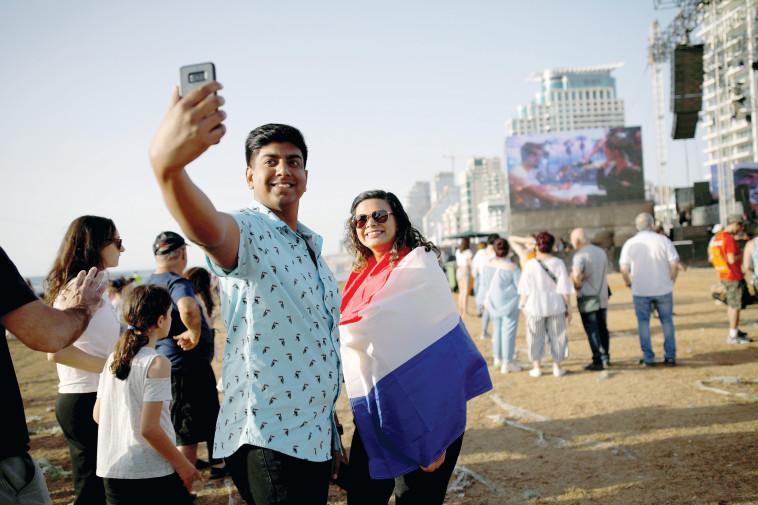 תיירים באירוויזיון (צילום: רויטרס)