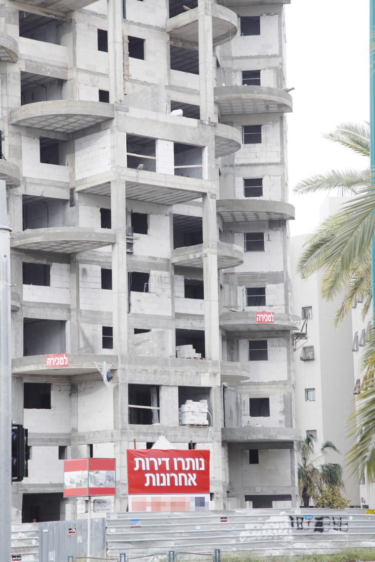 בניית דירות (צילום: אלוני מור)