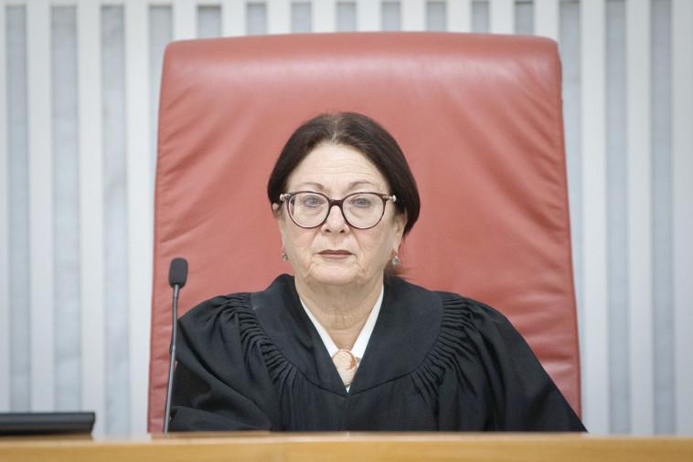 """נשיאת ביהמ""""ש העליון חיות. תכריע בסוגיה יחד עם השופטים פוגל ומלצר. צילום: נעם ריבקין פנטון, פלאש 90"""