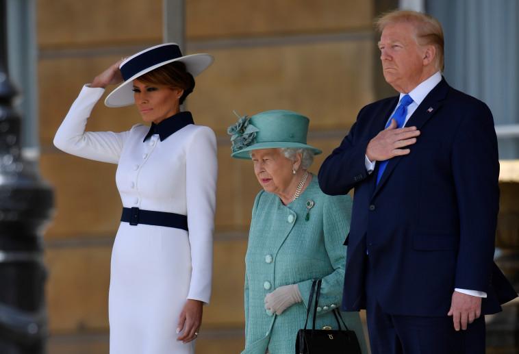 דונלד טראמפ, המלכה אליזבת ומלניה טראמפ. צילום: רויטרס