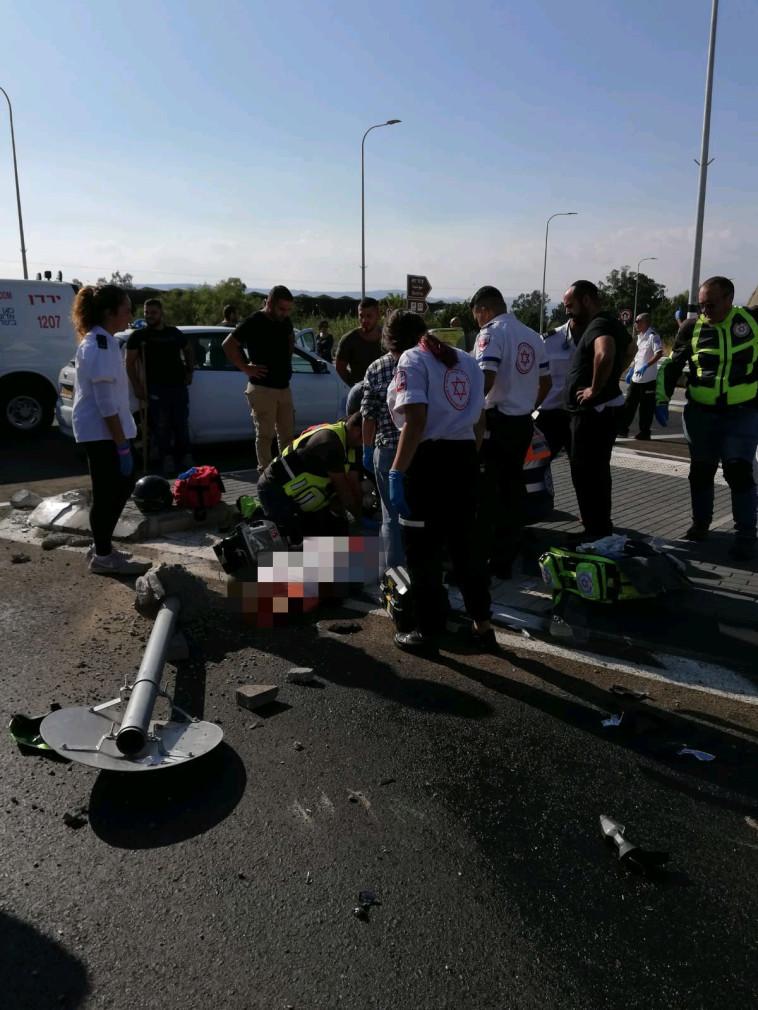 """זירת התאונה הקטלנית בכביש 92. צילום: דוברות מד""""א"""