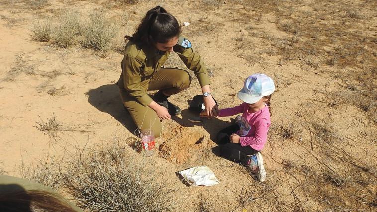 שתילת הפקעות, צילום: אילה סניור, מיזם צבא ההגנה לטבע