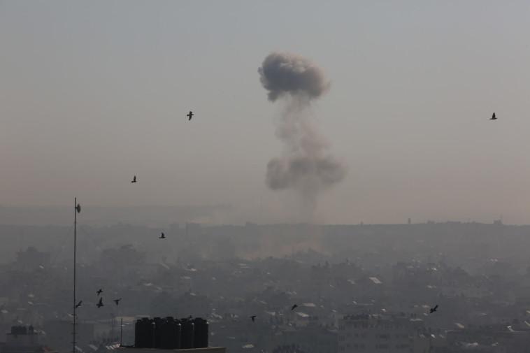 תקיפת צה''ל ברצועת עזה (צילום: מג'די פתחי/TPS)